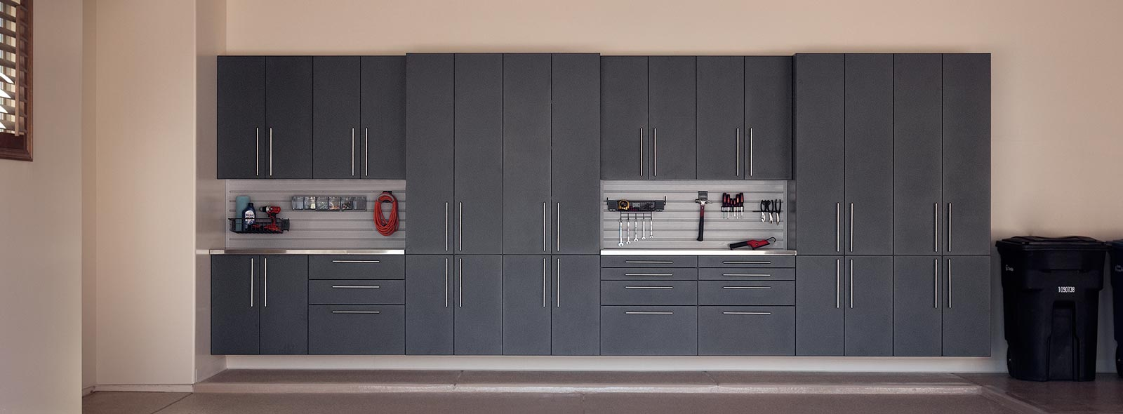 Merveilleux Granite Powder Coated Garage Cabinets